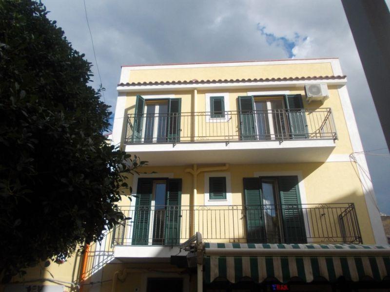 Affitto breve appartamento palermo sferracavallo mare for Appartamenti in affitto a palermo arredati