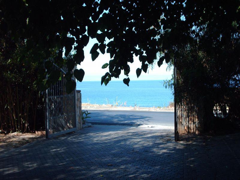 Palinuro Cilento fittasi appartamento in parco privato a 50 metri dalla spiaggia