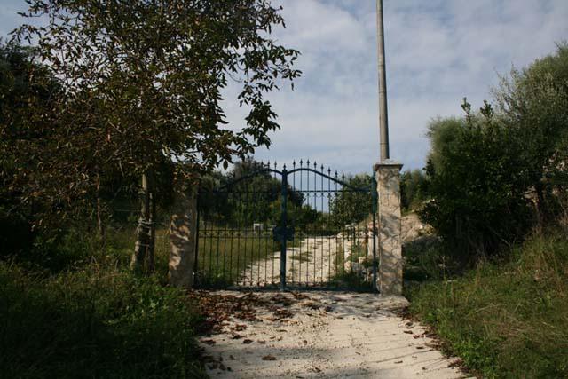 Gargano: 700 mt dal mare vendesi nuova costruzione rurale + giardino e frutteto