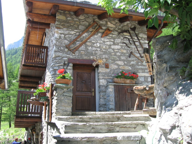 Case In Montagna In Legno E Pietra Pictures to pin on Pinterest