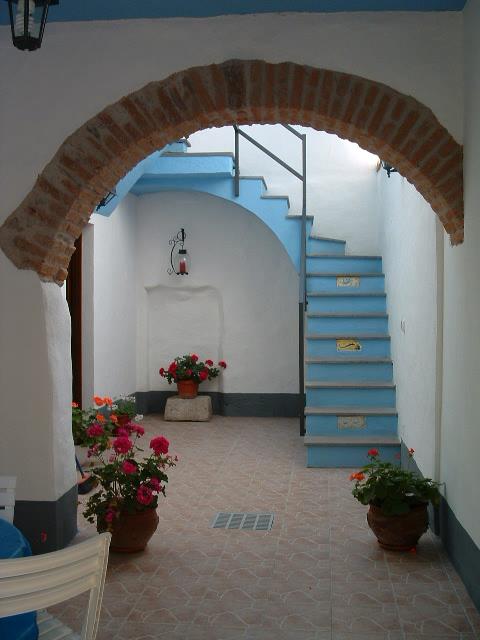 Offerte di affitto case box appartamenti for Case in vendita via sardegna milano