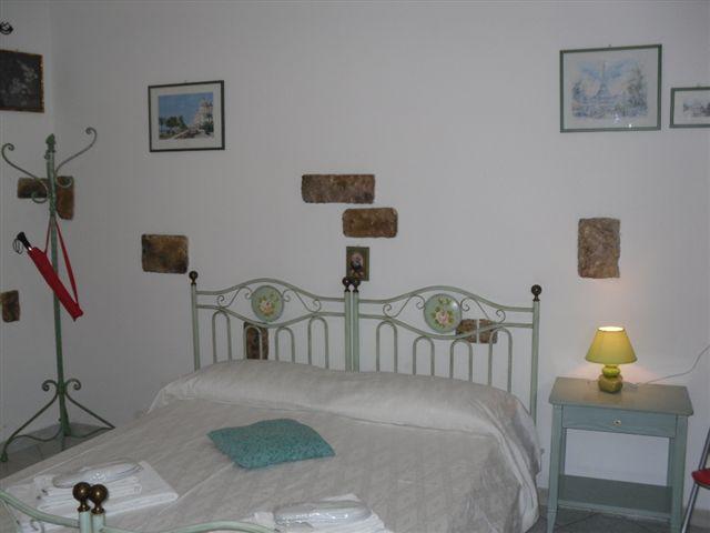 Bilocale arredato mondello palermo appartamento for Affitto bilocale palermo arredato